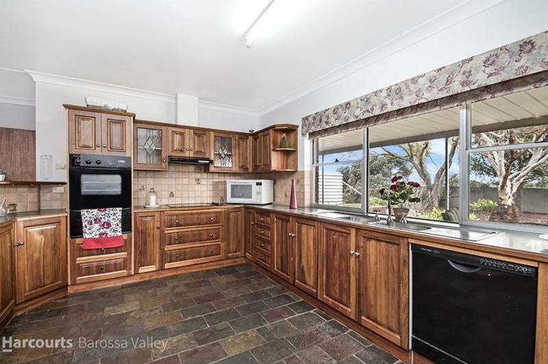 Definded-Interiors-House-Styling-Light-Pass_0005_after-kitchen