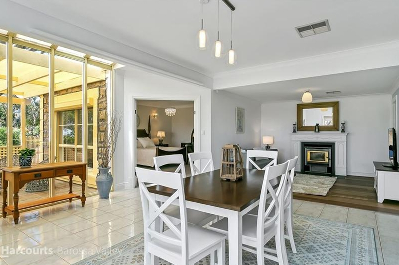 dining-area-after-restyled-property-defined-interiors-barossa